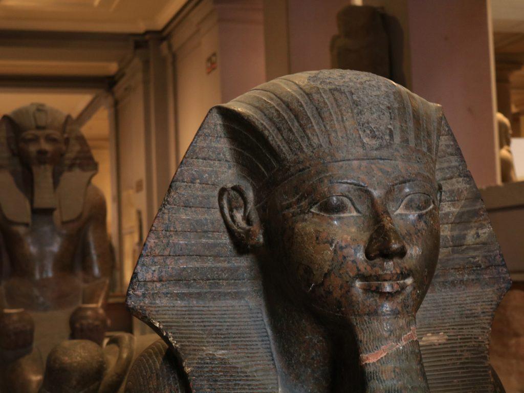 sarkophag-sphinx