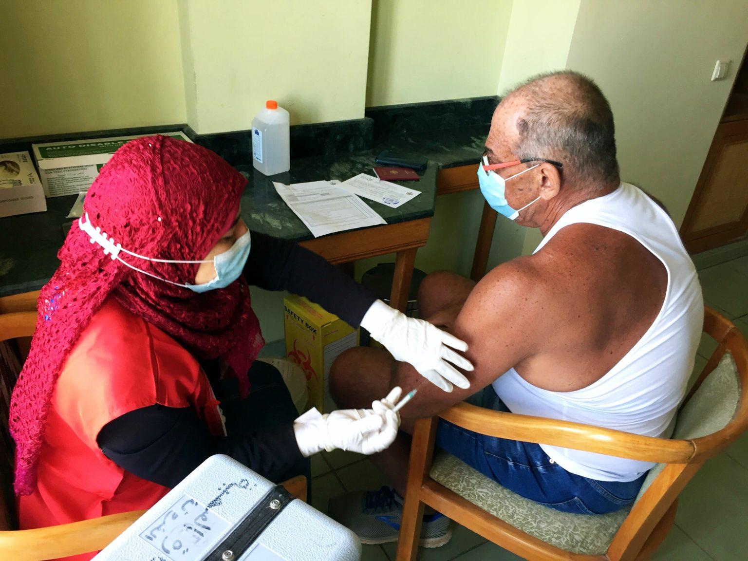 James-Impfung-AstraZeneca-Foto-Helle-4x3